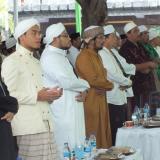 Para Ashabul Bait Pesantren Zainul Hasan Genggong beserta undangan di acara Harlah ke 63