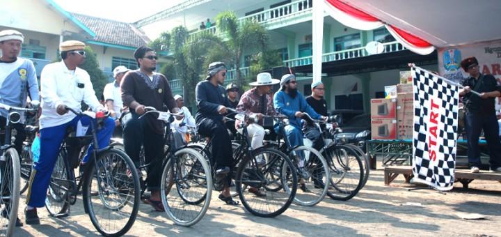 Onthel Goes to Pesantren Zainul Hasan Genggong