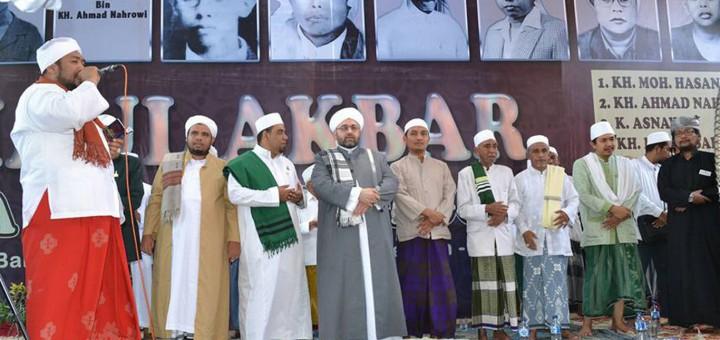 kiai dan Habaib pada acara haul Kh. Sholeh Nahrowi