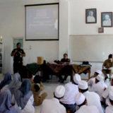 Penyuluhan: Bpk. Sidartha Kasi Datun, Kejari memberikan arahan pada peserta