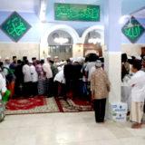 Jama'ah sholat idul fitri di masjid jami' al-barokah genggong berdesak desakan